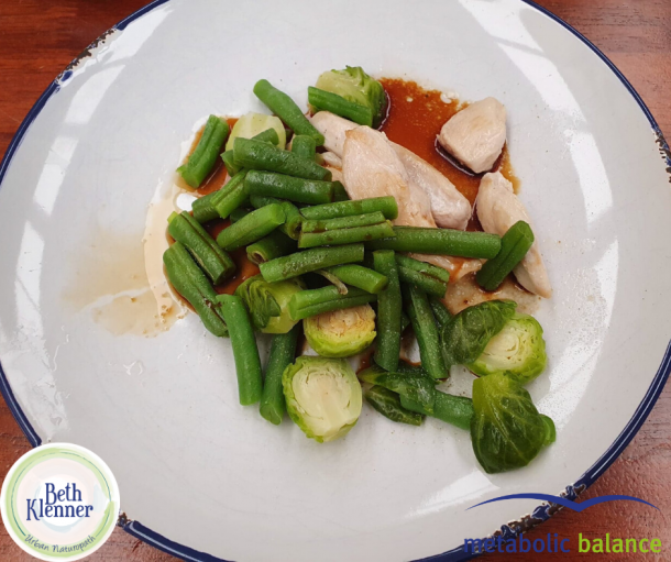 Metabolic Balance Chicken with steamed bean and brussels sprouts
